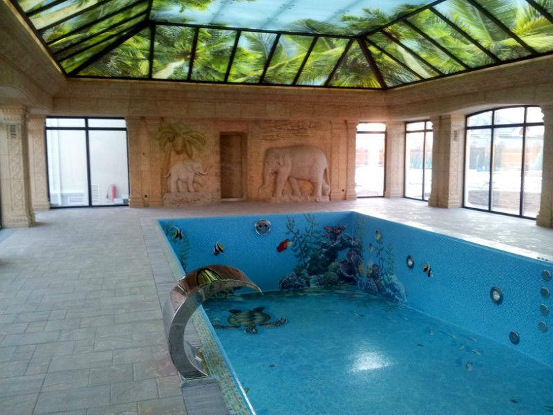 Внутренний бетонный бассейн