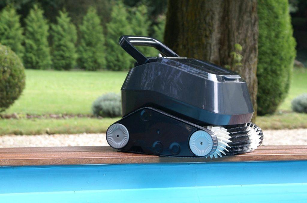 Робот-пылесоc AquaViva
