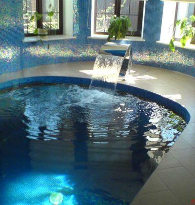 Плиточный бассейн закрытого типа